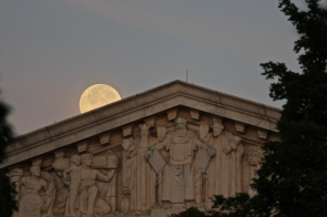 august-supermoon-and-the-supreme-court_14885293682_o