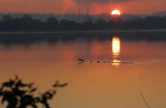 beautiful-morning-over-the-potomac_22934806454_o