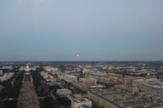 blue-moon-over-dc_20199497192_o