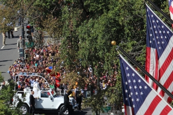 papal-parade_21034225613_o