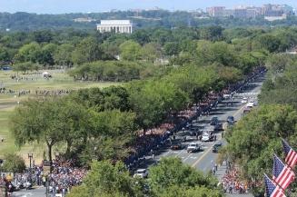 papal-parade_21035390583_o