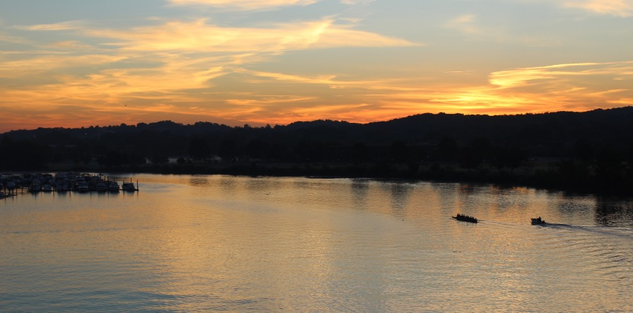 rowers-on-the-anacostia-river-at-dawn_21302728708_o