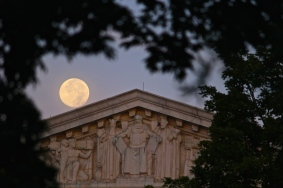 supreme-court-and-moon_14918977751_o