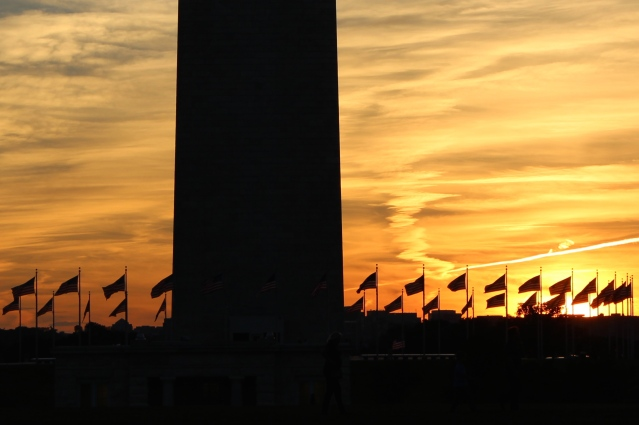 washington-monument-and-flags-at-sunset_15220253862_o