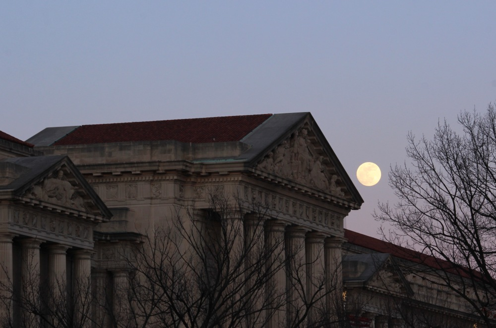 supermoon-over-us-epa-tuesday_40054785792_o